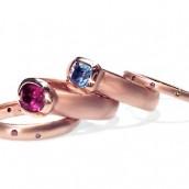 Ženstveni nakit od roze zlata