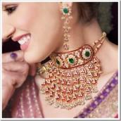 Ženstvenost istaknite nakitom