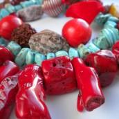 Tirkiz i koral – idealna kombinacija za predstojeće vrele dane