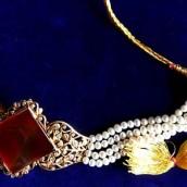 Ogrlice uz vrat od svih materijala