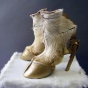 Čizme na neobičan način – kopita sa štiklom